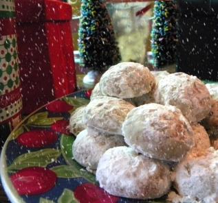 Pfeffernusse - Gingerbread Snowballs